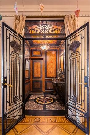 Elevator-Mona Ackerman-Peter Marino