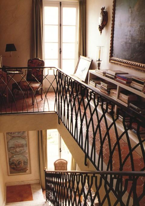 Le Clos Stairhall de Givenchy