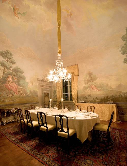 The dining room, Villa delle Rose. Photo courtesy of Villa delle Rose website.
