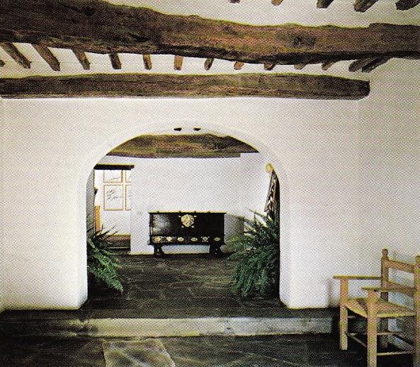 Entrance-Millington Drake-Stefanidis-Tuscany