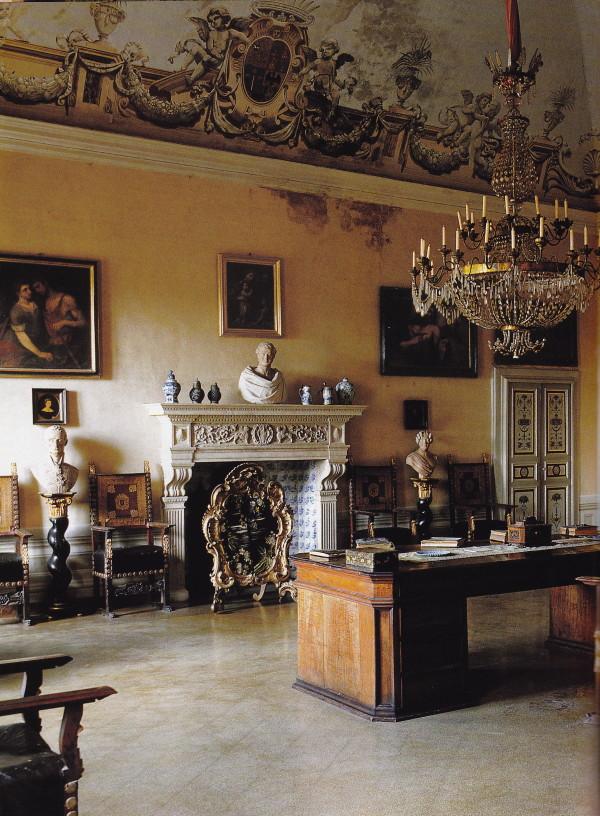 Villa di Geggiano. Photo by Derry Moore.