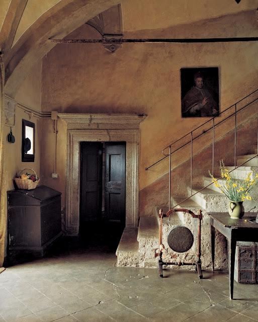 Castello Pontentino. Photo by Oberto Gili.