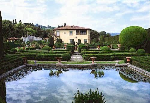 Photo courtesy of Villa Gamberaia website.