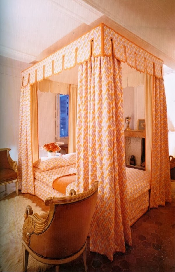 David Hicks' bedroom in his vacation house in Roquebrun, France. From David Hicks Decorates.