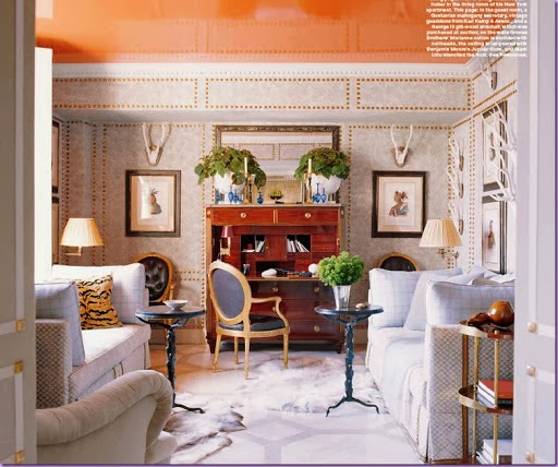 The guest room/sitting room in Jeffrey Bilhuber's New York apartment. Elle Decor; photo by William Waldron.
