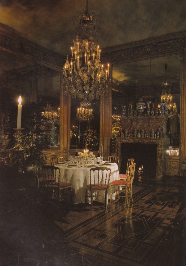 Palatial inspiration, le goût Rothschild, compliments of Geoffrey Bennison, 1983. The World of Interiors. Photo by James Mortimer.