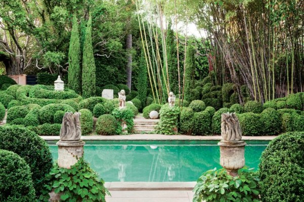 Sparkling emerald waters enhance the lush landscaping at Richard Shapiro's Los Angeles Mediterranean-inspired home. Photo by Lisa Romerein for C Magazine.