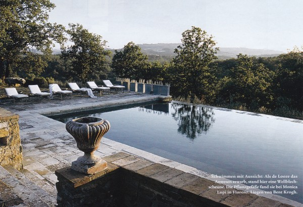 An affinity-edge pool on the property of Simone de Looze's Tuscan retreat. Photography by Nicolas Matheus for German AD.