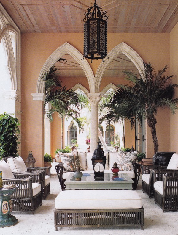 The palazzi of Venice inspired the architecture of a new home in Palm Beach that Bunny Williams decorated for Liz Mezzacappa. Photo by Mathhew Hranek for Town & Country.