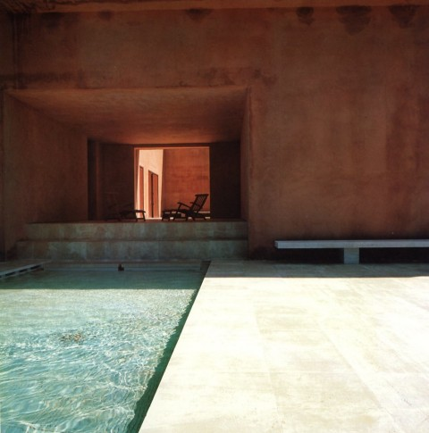The pool design for a modernist villa in Mallorca, Spain extends the rectangular volumes of the main house. Photo by Marco de Valdivia. From Pools by Kelly Klein, 1992.