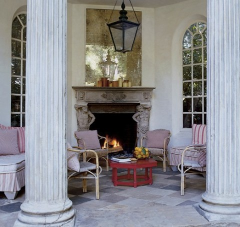 Antiques dealer Richard Shapiro created a classically-inspired pleasure pavilion for his garden at his Los Angeles home. Photo by Miguel Flores-Vianna for Elle Decor.