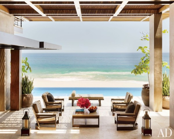 Designer Terry Hunziker outfitted the main terrace of a home in San José del Cabo, Mexico, with Sutherland furniture of his own design. Photo by Pieter Estersohn.