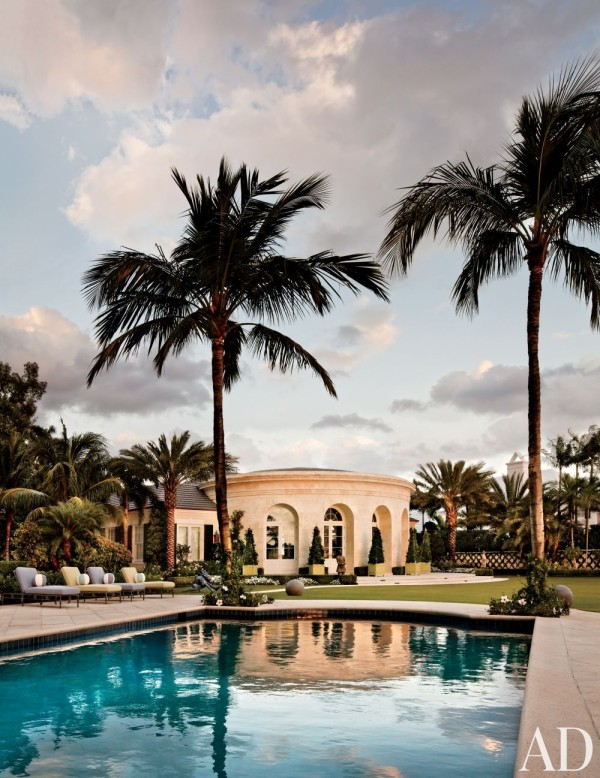 Architect Thomas M. Kirchhoff designed the pavilion at a Palm Beach residence. The gardens are by Nievera Williams Design. Photo by Scott Frances.