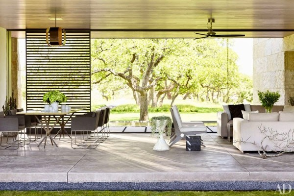Sara Story collaborated with Lake|Flato Architects on a pavilion for entertaining on her Hill Country property. Photo by Pieter Estersohn.