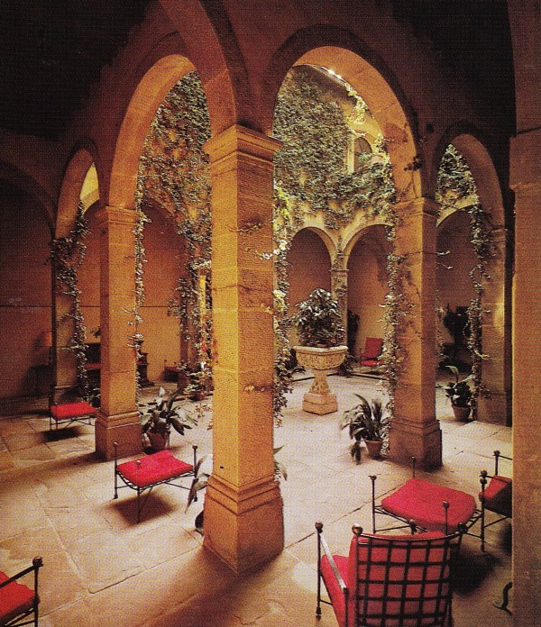 Here, in a courtyard bound by arcades, is where the font was placed prior to the Teissier's move to the Amalfi Coast. Custom Etruscan-style garden furniture was commissioned for the hotel.