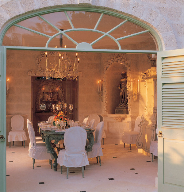 For the dining room at Leamington Haslam created his piéce de resistance: a coral stone lined space featuring seashell-festooned niches and a neo-Rococo table the color of seaweed.