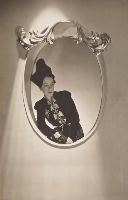 Horst-Schiaparelli-photograph-410