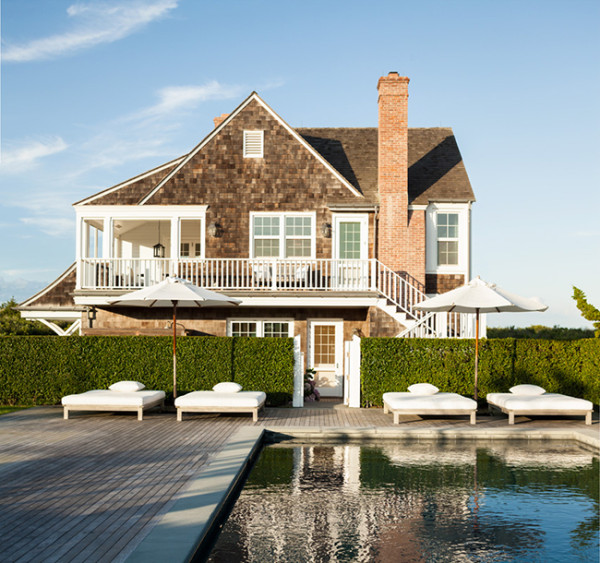 A Wainscott. Hamptons. retreat by Sawyer Berson featured on Savvy Home.