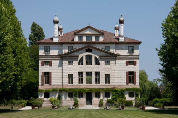 rear elevation-villa foscari-la malconetenta-andrea palladio-photo by Noboru Inoue