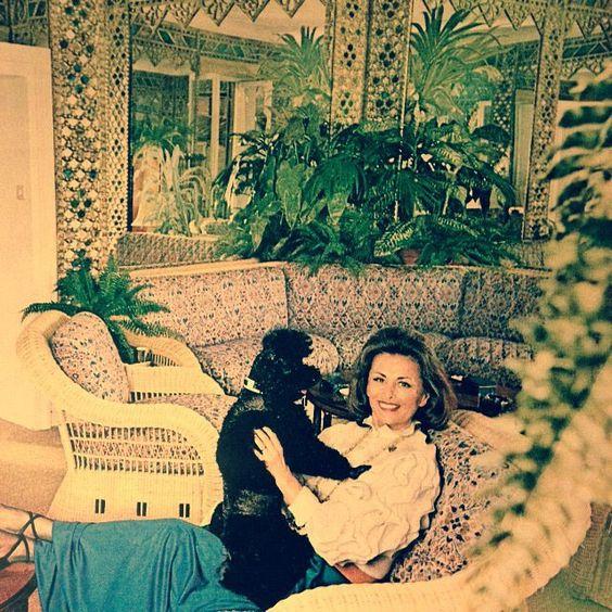 Renzo Mongiardino-Rome apartmen of Princess Galatzine-Vogue-1973-Henry Clarke