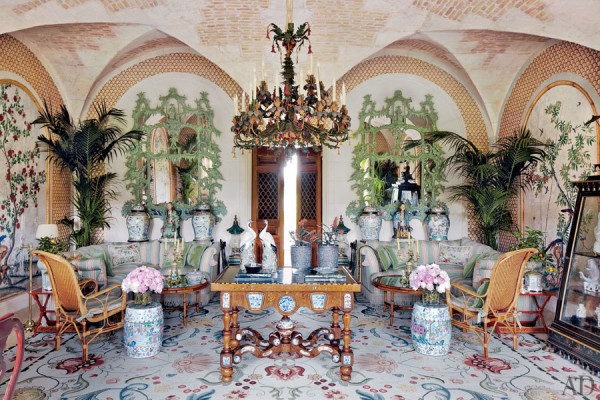 dam-images-celebrity-homes-2012-valentino-valentino-garavani-16